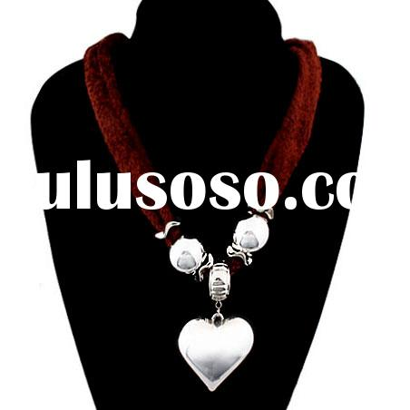 Best price of our factory Resin+Acryl+Fabric fashion style Necklaces