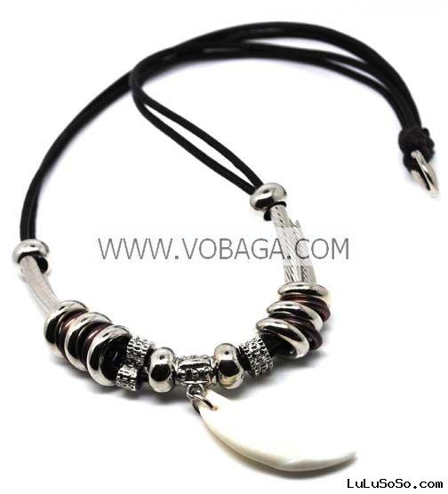 2011 hot selling group fashion pendant necklaces fashion tooth pendant necklace for birthday gifts