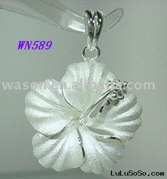 24mm Silver Hawaiian Frosted Hibiscus Flower Pendant