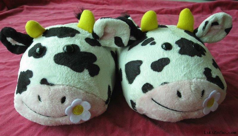 Animal Shaped indoor slipper Dairy Cow Model