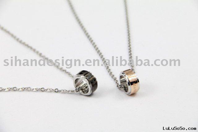 Couple necklace with loop pendants carved letters