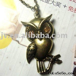 H079G Gold  Retro Vintage Lovely Orange Eyes Owl Necklace