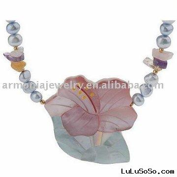 Hawaiian Flower Freshwater Pearl Necklace Mother of Pearl Pendant