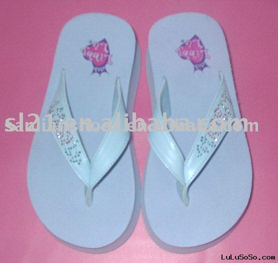 Ladies' Fashion Slippers