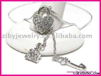 White gold plating crystal crown heart key dangle necklace