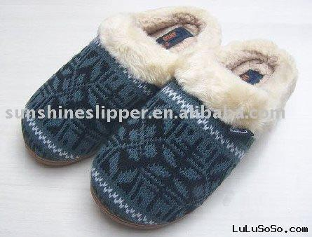 Women plush slippers