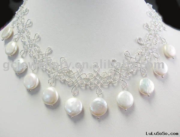 attractive  fashion bead necklace