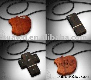 bamboo usb necklace