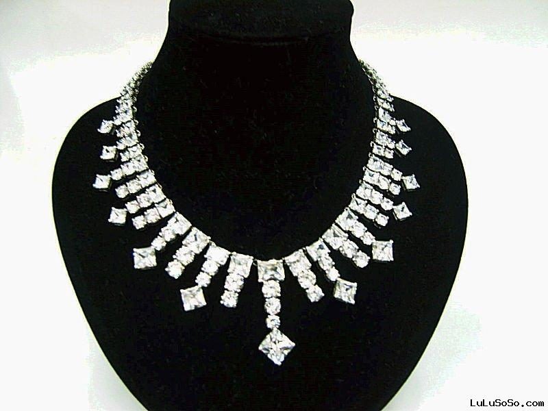 cubic zircon necklace,diamond necklace designs