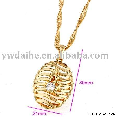 gold beauty pendant necklace