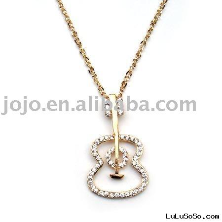 gold pendant necklaces
