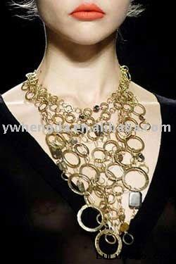 magnificent yellow gold necklace