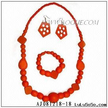 red wood  necklace set