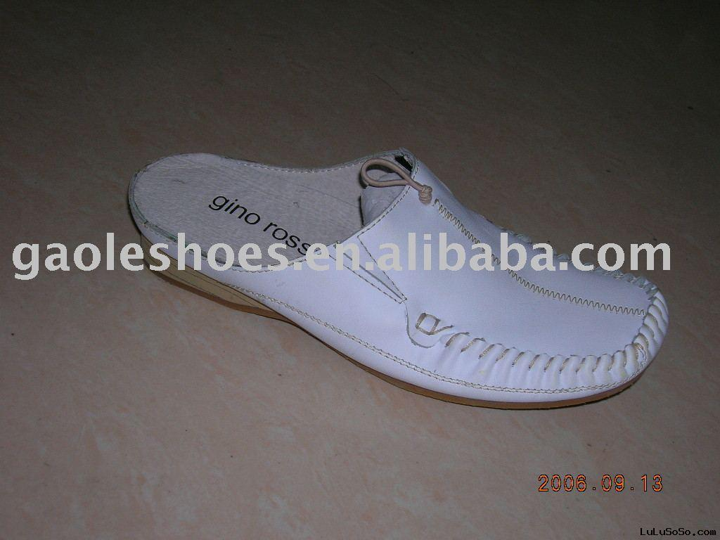 Fashion men  leather slipper