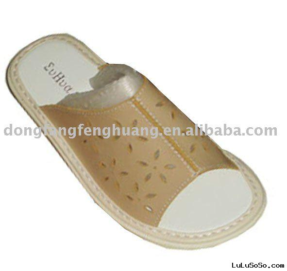 LADIES FASHIONABLE LEATHER SLIPPERS