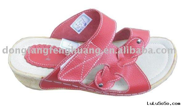 Ladies leather slipper