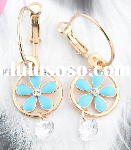 2011 hot selling fashion design diamond earring
