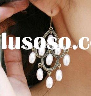 Graceful antique design fashionable pearl chandelier/dangle earrings