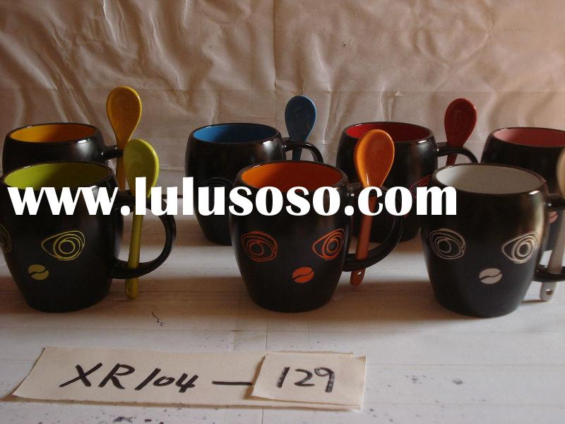 Ceramic mug+spoon
