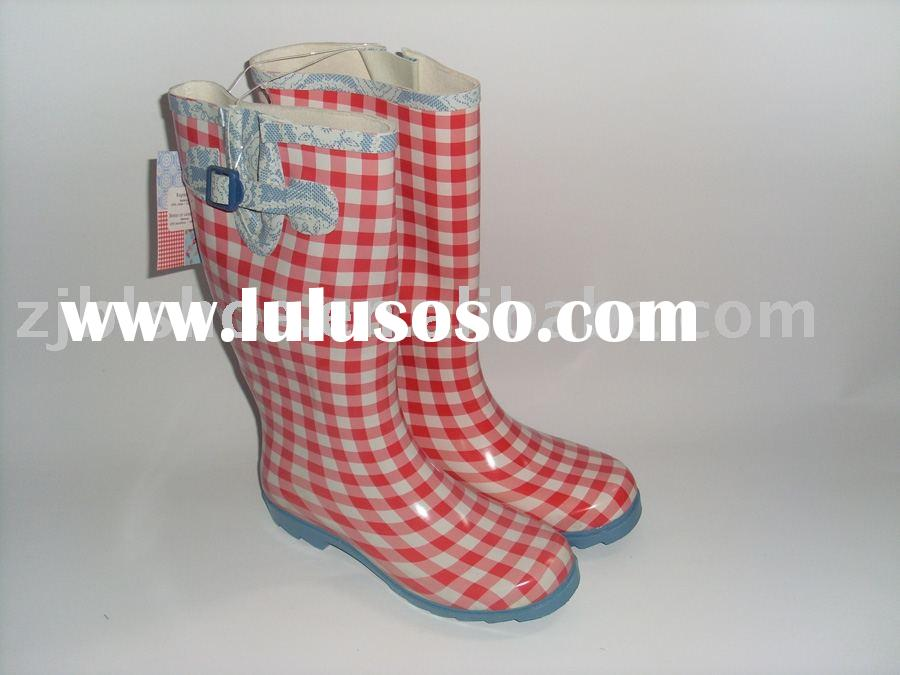 Cheap rubber rain boots