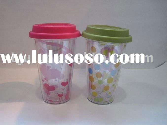 coffee cup with silicone lid