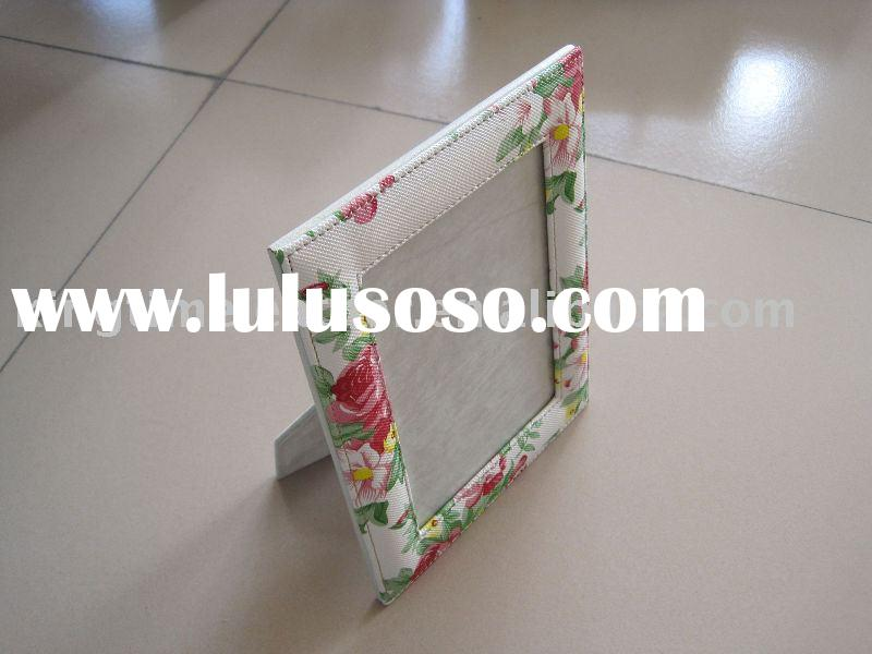 Flower pattern photo frame