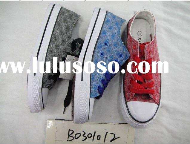 cheap stock canvas shoes