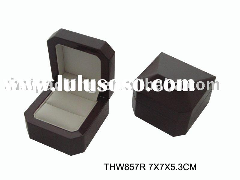 THW857R wood ring box