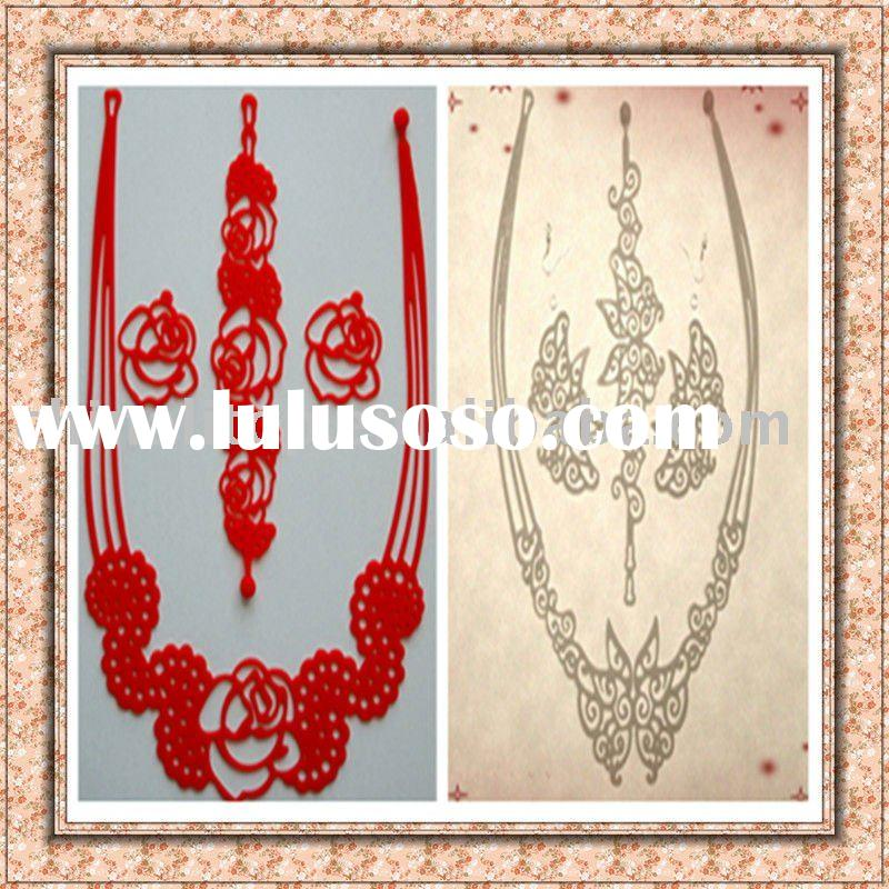 Fashion costume jewelry