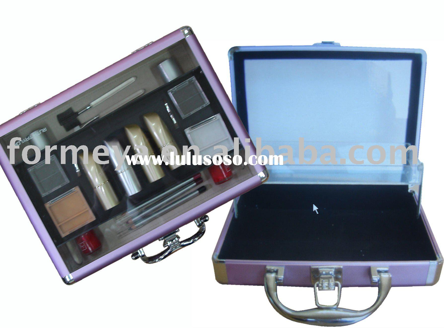 aluminum cosmetic set case with clear acrylic top panel