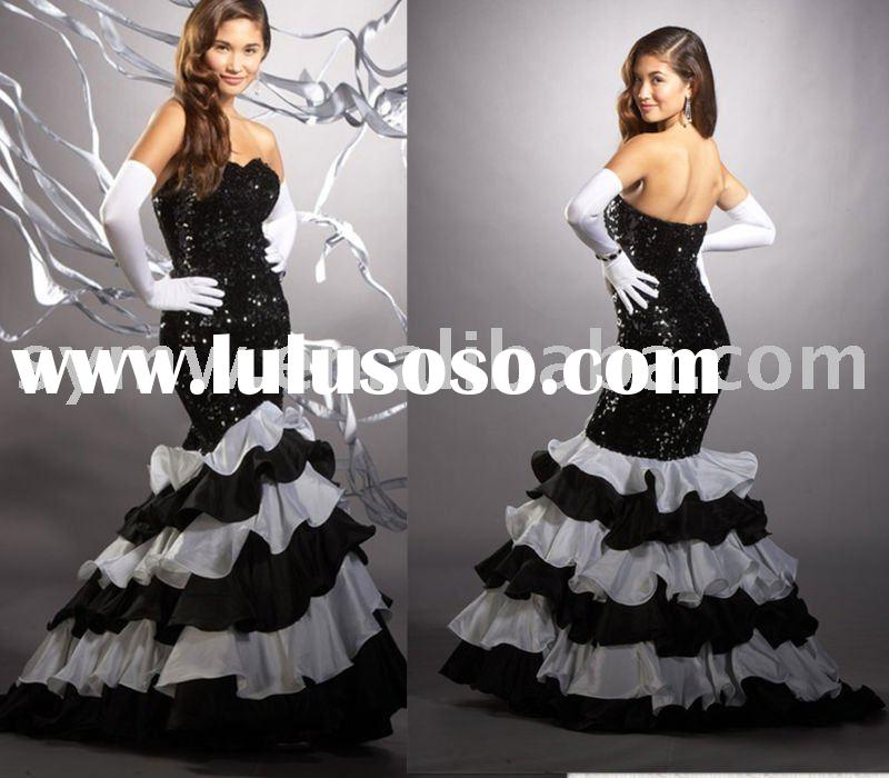 14b sweetheart neckline  mermaid taffta black and white prom gown