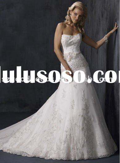 Sheath V-neck Sleeveless Court Train Satin Bride Wedding Gown with Ruffles and Beading (GWBN0435)