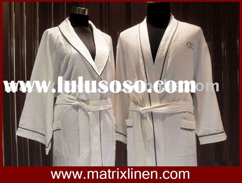 Hotel cotton bathrobe with Piping