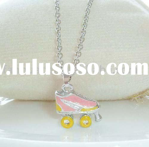 Fashion jewelry roller skates necklace