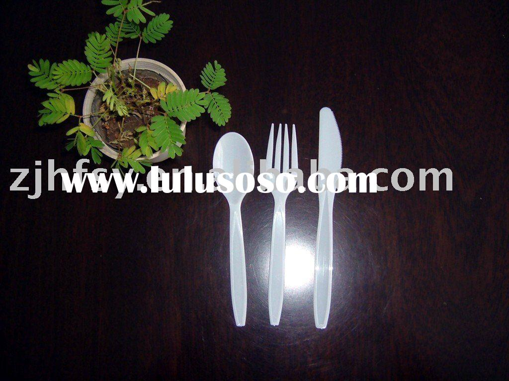Disposable plastic knife and fork spoon