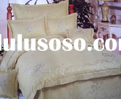 appliqued bedding set