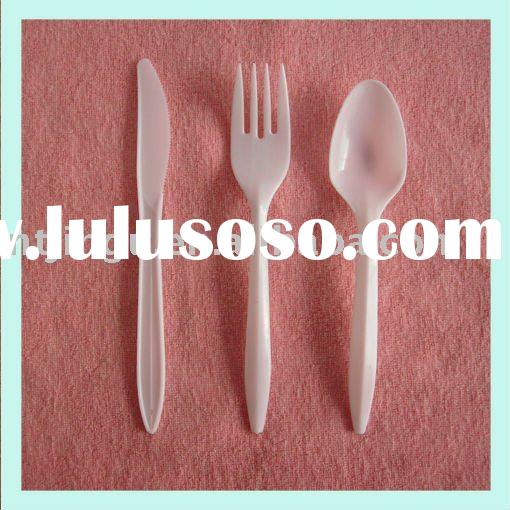 plastic knife fork and spoon