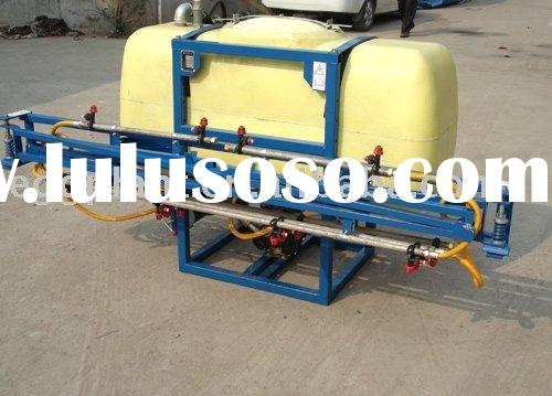 Tractor mounted agricultural sprayer for farm usage