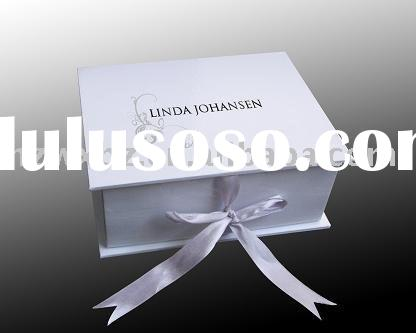 2011 white wedding cardboard gift box