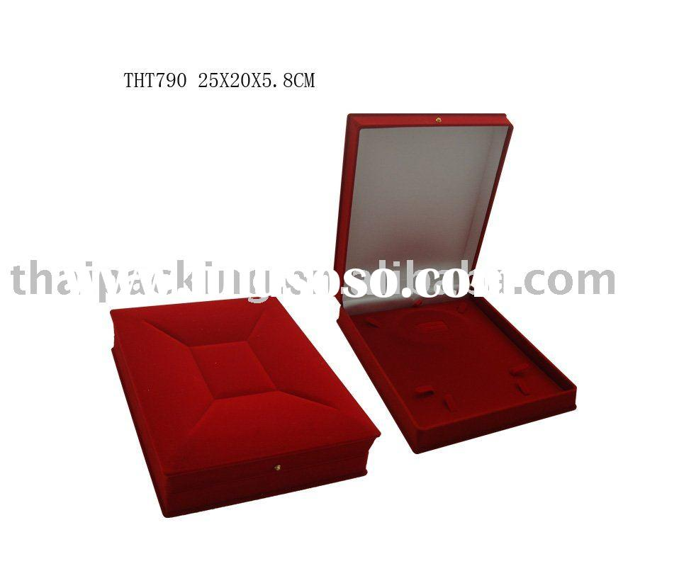 Round Bed Style Velvet Jewelry Box for sale PriceChina