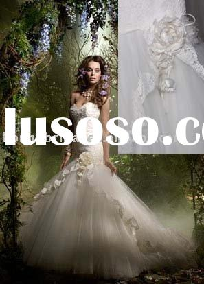 Tulle and Lace Ivory chapel train wedding gown(petrel-b.3955)