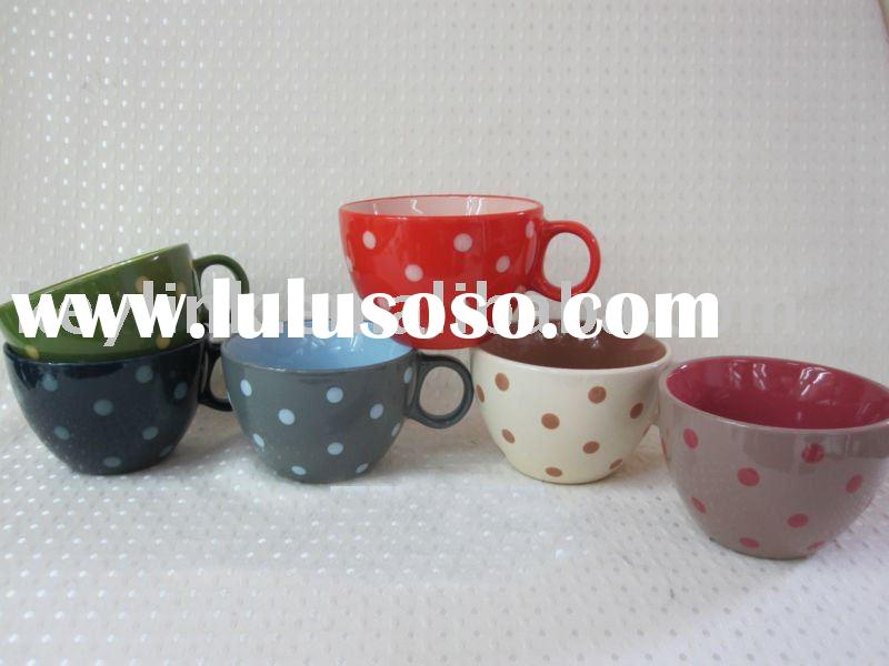 Colorful ceramic Jumbo mugs with attractive designs