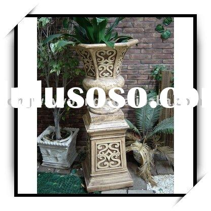 OUTDOOR PLANTER WITH PEDESTAL