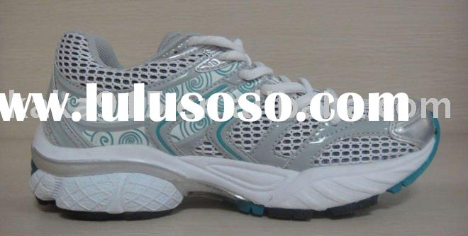 2011 latest fashion men running shoes