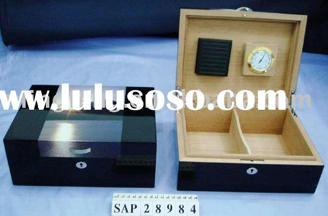 Honorable High quality glossy wooden humidor for 2011 Summer