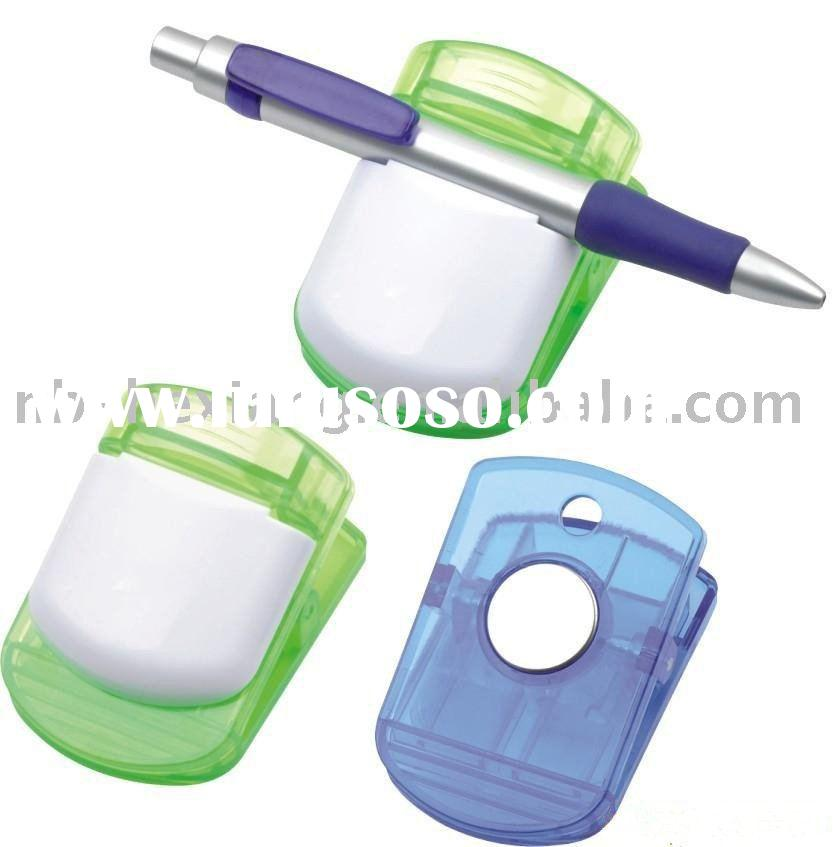 magnetic plastic clip with pen holder