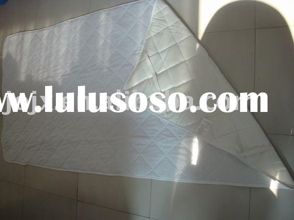 Quilted waterproof mattress pad