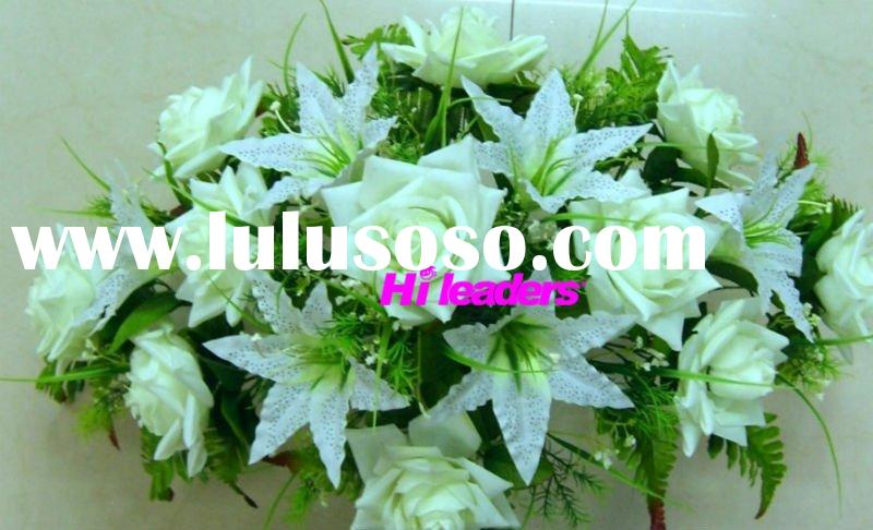 Decorative artificial flower arrangement