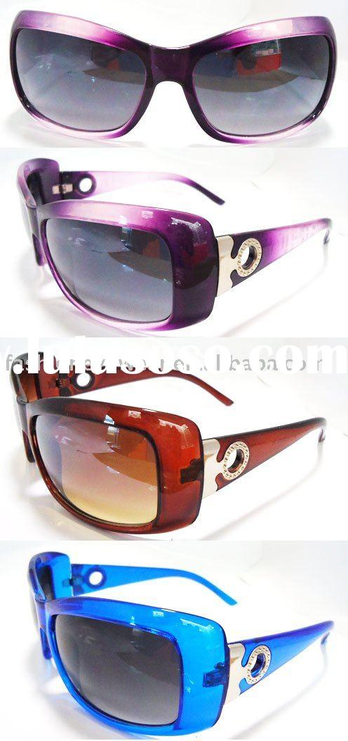 Cool, 2010 newest Plastic Sunglasses with bling bling Accessorise