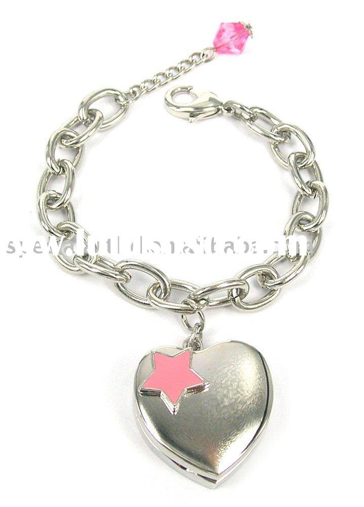 Pink Star on Heart Shaped Lip Gloss Case with Charm Bracelet, Various Chain Styles are Available